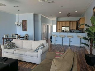 Beautiful Beachview Terrace, Unit 2!, Gulfport