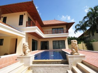 2 Bedroom Bang Saray Beach Villa