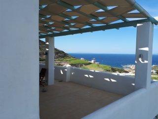 Stunning View Holiday House, Mandrakia