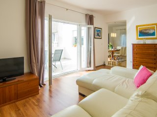 Apt Sara *cozy&spacious with a terrace near old town of Trogir