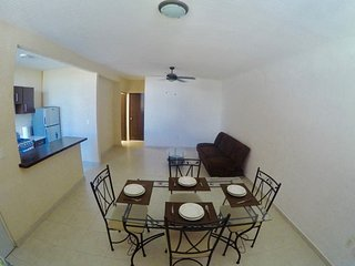 Affordable , safe, clean, comfortable , 10min from the beach  15min from airport