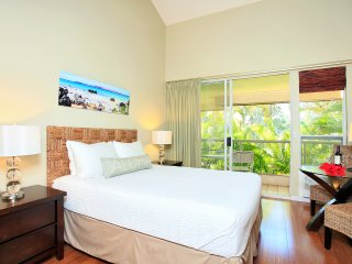 $69/nt Sep/Oct- Stylish Maui Banyan Steps to Beach, Kihei