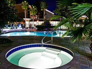 STUIDO FOR 4~ Park Inn by Radisson~ MAINGATE LOCATION! VIEWS OF DISNEY! POOLS!