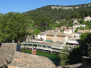 Haven of Peace, Magnificent Views, Artist's Paradise, Fontaine de Vaucluse