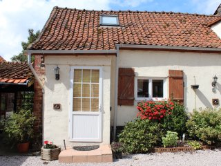 Le Tournesol - country style cottage with exposed beams throughout