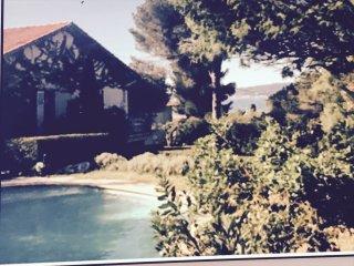 Centre ville vue golfe de st Tropez villa superbe 3 terrasses Gd jardin parkings, Sainte-Maxime