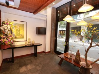 Hanoi Art Residence: Stay right in heart of Old quater, behind  the St.Joseph's