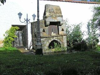 Zeus House #16245.1