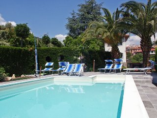 Grande bel alloggio con piscina,  tra gli ulivi a pochi minuti dalle spiagge