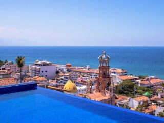 Stunning Rooftop pool in Gringo Gulch, Puerto Vallarta