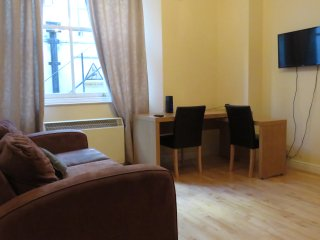 A lovely 2-Bedroom Flat, Hyde Park, Bayswater, F1/47