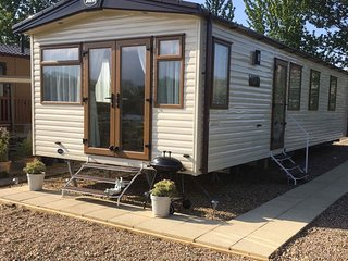 Luxury 3 bed Caravan situated on fishing lake.