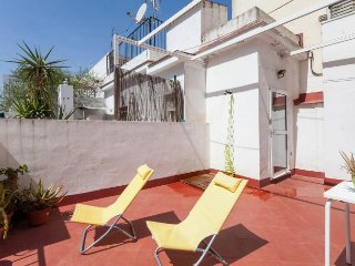 Maestranza Studio: Equipped and wide sunny terrace, Sevilla