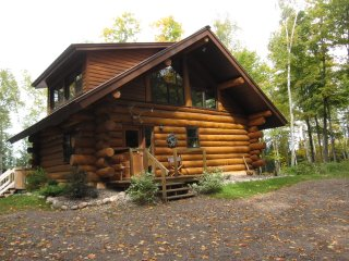 Solar Powered Authentic Log Cabin on Quiet Lake with 120 Acres Private Forest, Minocqua
