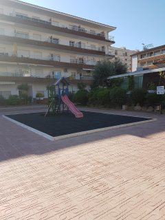 Parque infantil del recinto