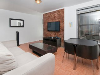 Newly Renovated 2 BR on Upper East Side