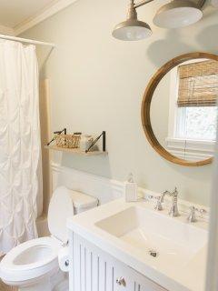 Master Bathroom - Shower & Tub