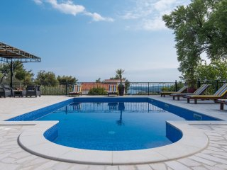 Beautiful Villa Andro with great swimming pool