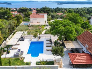 Beautiful Villa with great swimming pool -Villa(VoMa)