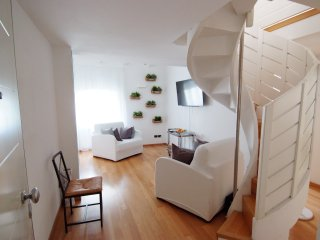 White Residence Apartment