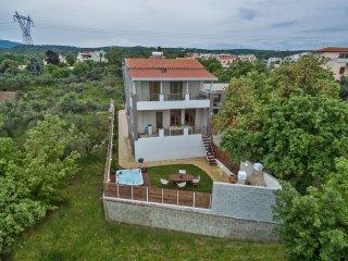 Villa Plousia, Atsipopoulo