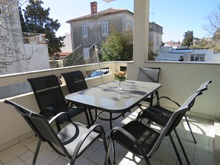 Novalja - Apartment for 6 people in the city center