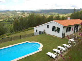 Casa do Monte - with private pool and garden