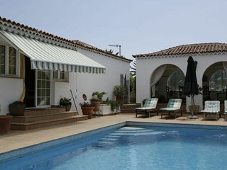Villa on golf course with private pool, Golf del Sur