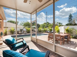 Villa Las Flores – Exciting New 3/2 Heated Pool Home, Minutes to Siesta Key!