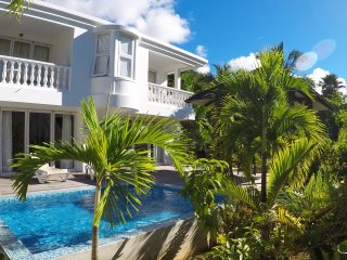 Deluxe two bedroom private villa with plunge pool 1, Beau Vallon