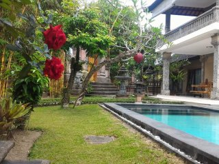 3 bedroom private villa near Ubud w Pool & breakfast
