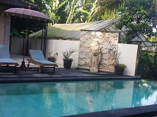 Bali Villa -your ideal romantic & family friendly get-away with pool & breakfast