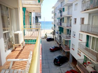 Seaside Rental - Next to Beach and Train Station