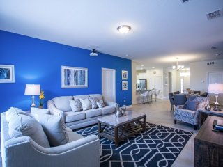 Mod 5BR 4Bath SOLTERRA home with private pool/spa & game room from $158/nt