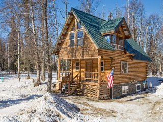 NEW! Rustic 2BR Palmer House in the Mountains!