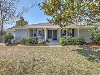 3BR Mount Pleasant Home - Near Beach & Charleston