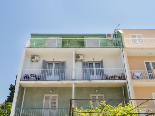 Neven - comfortable & great location: A1(4+2) - Split