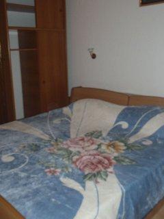 C(4): bedroom