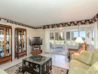 2 Bedroom 2 Bath Naples Vanderbilt Landings Condo with Private Beach Access