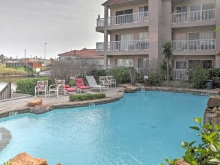 NEW! 1BR Corpus Christi Condo - On Canal w/ Pool!