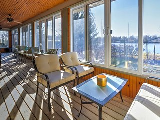 Lakefront Picton House w/ Indoor Veranda & Marina