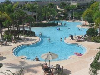 overzicht van het clubhuis zwembad.