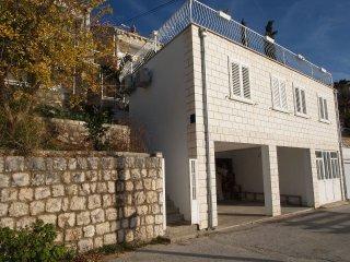 00816ZATD  SA Mali(2+1) - Zaton (Dubrovnik)