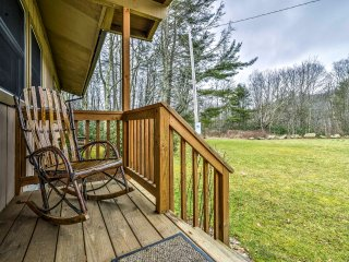 NEW! Mountainside 3BR Banner Elk Home on 3 Acres!