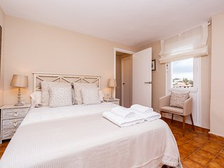 Apartamento de Lujo en Binibequer Vell para 6 pax con piscina y vistas al mar