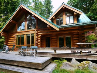 River front Luxury Log Cabin 1 hour from Seattle