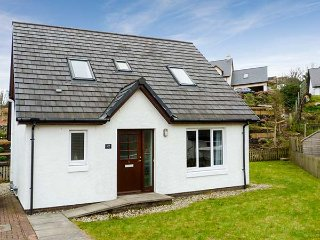 TORR BEAG, detached, ground floor bedroom with en-suite, pretty patio, short