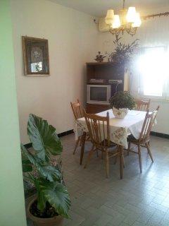A3(6+2): dining room