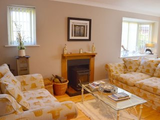 Florence - Peaceful village hideaway close to beach and harbour, Bembridge