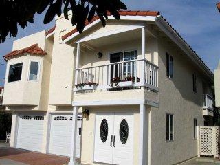 Luxurious and Enjoyable Carlsbad Beach House - 1/2 Block to Beach